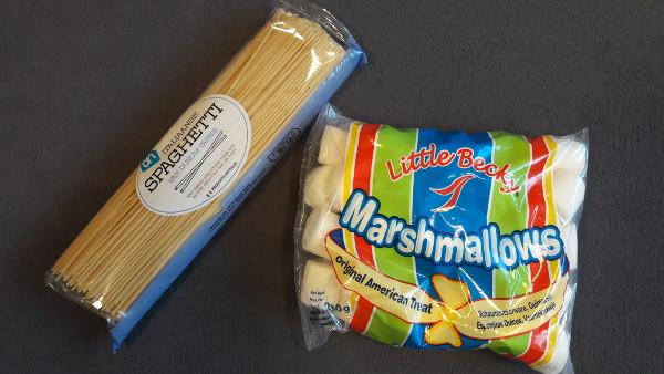 Toren bouwen met Spaghetti en Marshmallows